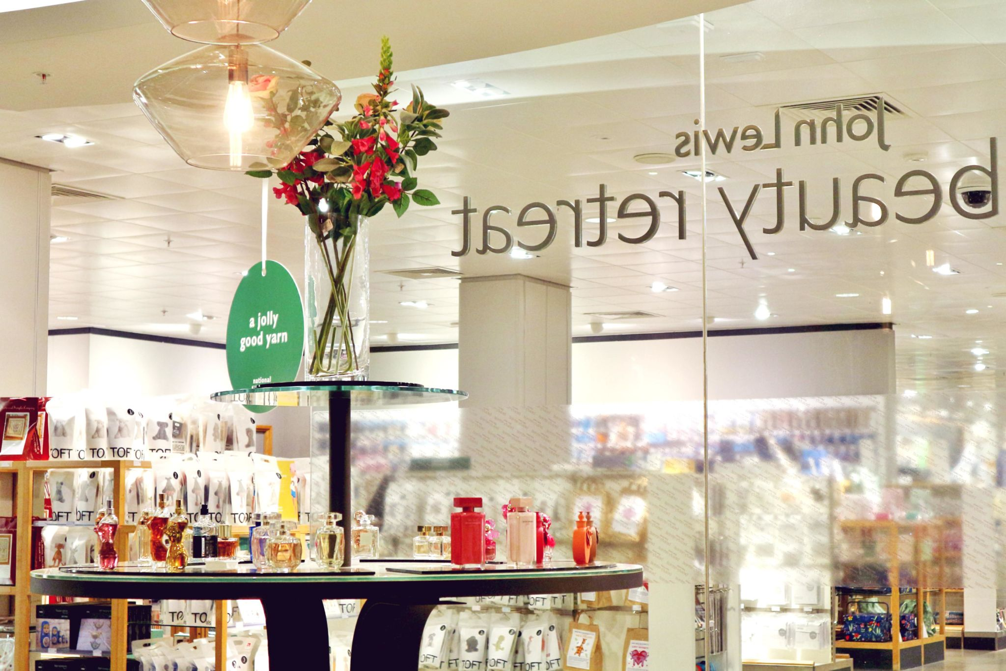 elegant discover the murad facial at john lewis beauty retreat cheadle with meuble tof. Black Bedroom Furniture Sets. Home Design Ideas
